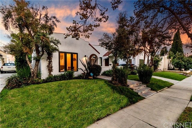816 N Mansfield Ave, Hollywood, CA 90038