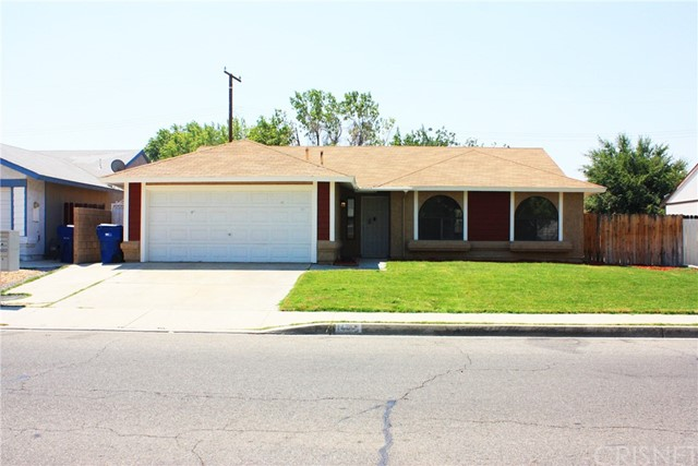 1444 W Avenue H-8, Lancaster, CA 93534