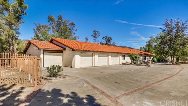 35044 Johnson Road, Agua Dulce, CA 91390
