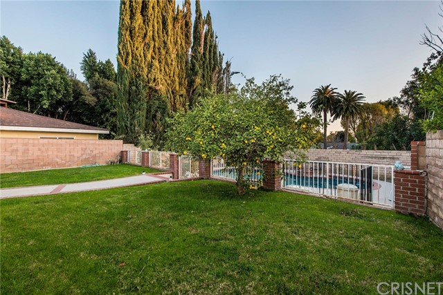17918 Raymer St, Sherwood Forest, CA 91325 Photo 1