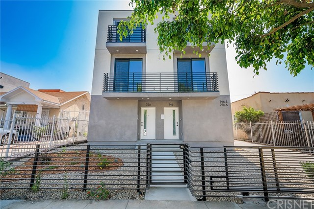746 N Ridgewood Place, Hollywood, CA 90038