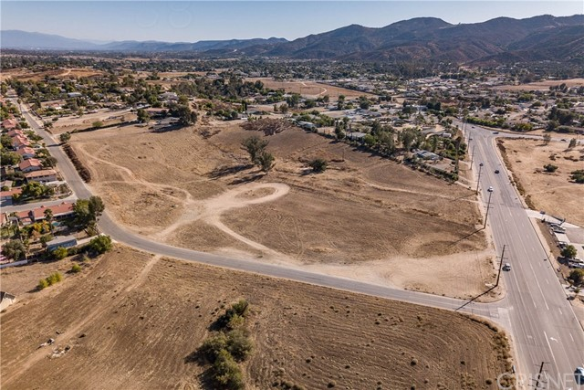 34920 Mission Trail, Wildomar, CA 92595