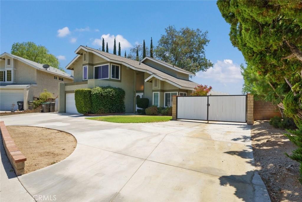22912     Beech Creek Circle, Valencia CA 91354