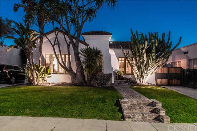812 N Mansfield Ave, Hollywood, CA 90038