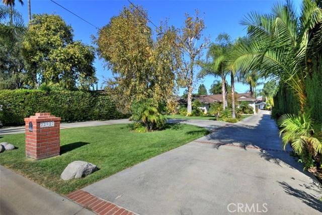 22927 Oxnard Street, Woodland Hills, CA 91367