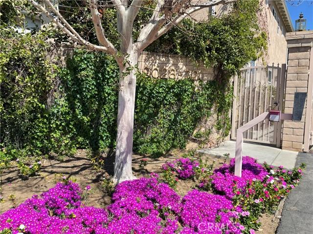 9070 Hayvenhurst Av, North Hills, CA 91343 Photo