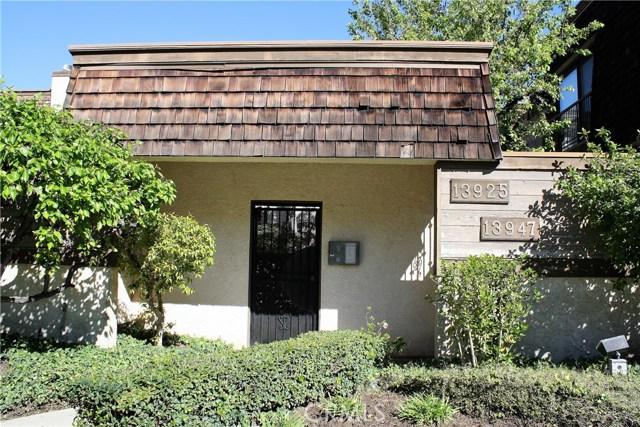 13945 Riverside Dr, Sherman Oaks, CA 91423