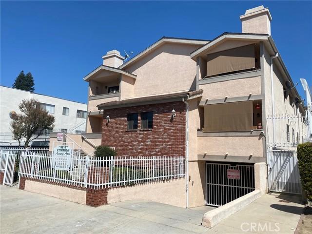 Photo of 8810 Etiwanda Avenue, Northridge, CA 91325