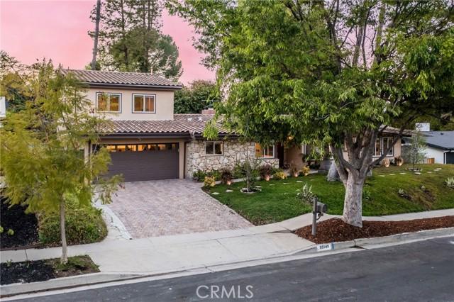 Photo of 23749 Mariano Street, Woodland Hills, CA 91367