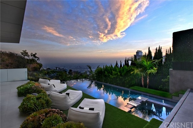 Image 13 of 1807 Blue Heights Dr, Los Angeles, CA 90069