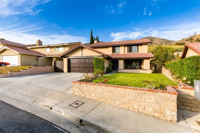 13966 Saddle Ridge Road, Sylmar, CA 91342