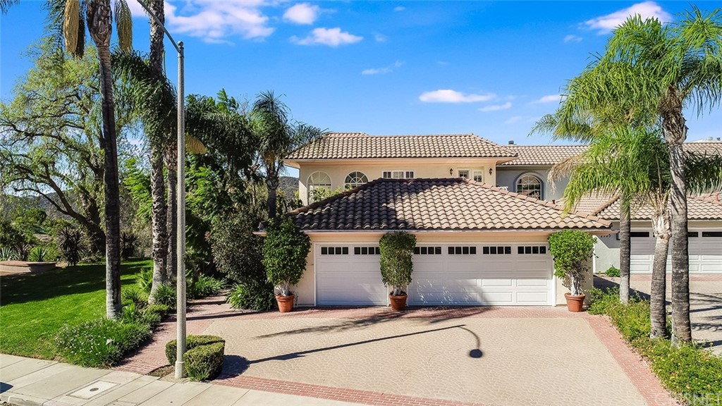 Photo of 2301 Canyonback Road, Brentwood, CA 90049