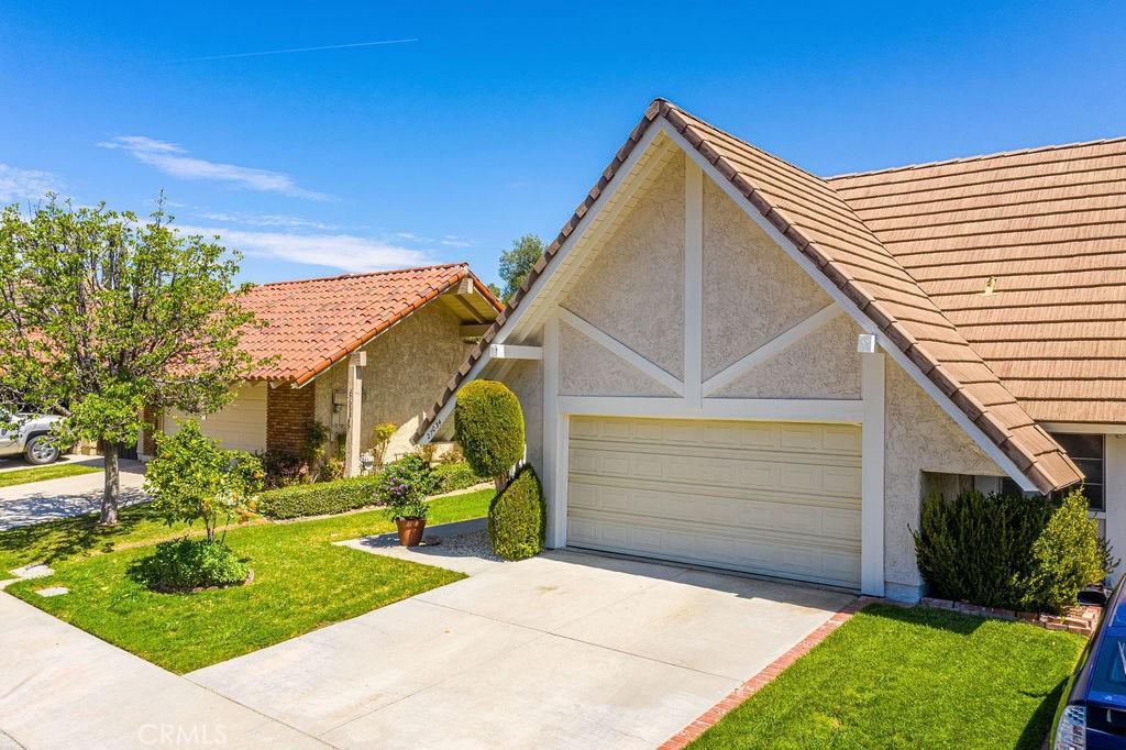 27034     Rio Pecos Drive, Valencia CA 91354
