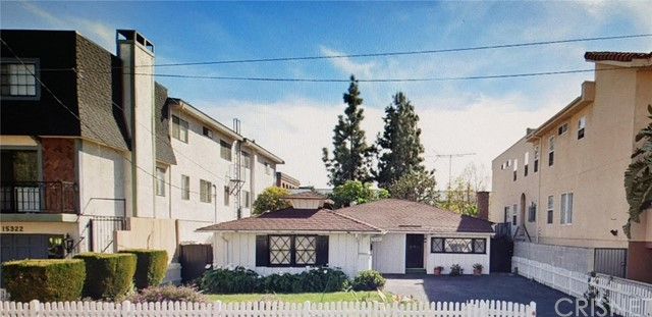 15330 Weddington Street, Sherman Oaks, CA 91411
