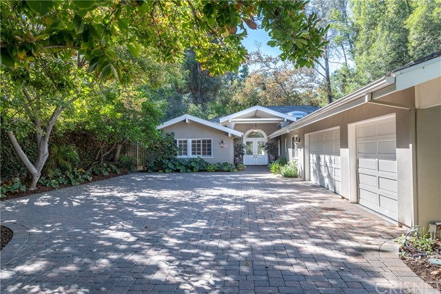 Photo of 5001 Arundel Drive, Woodland Hills, CA 91364