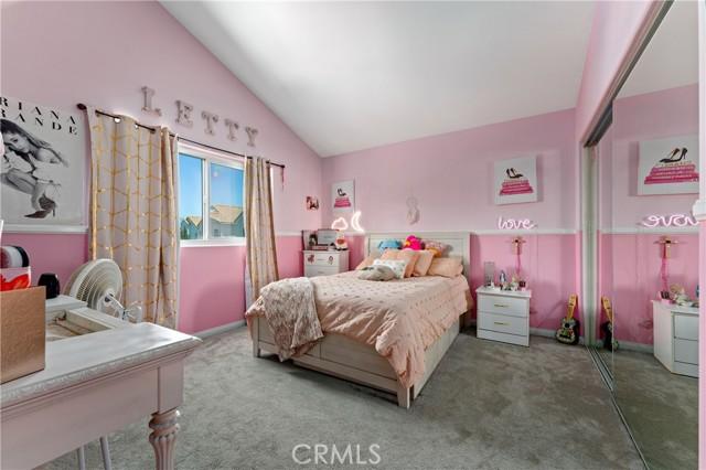 22. 15025 Portofino Lane #10 North Hills, CA 91343