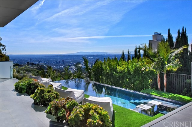Image 17 of 1807 Blue Heights Dr, Los Angeles, CA 90069