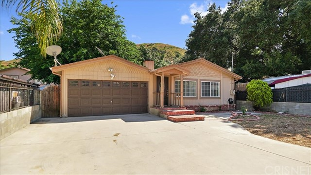 30368 San Martinez Road, Val Verde, CA 91384