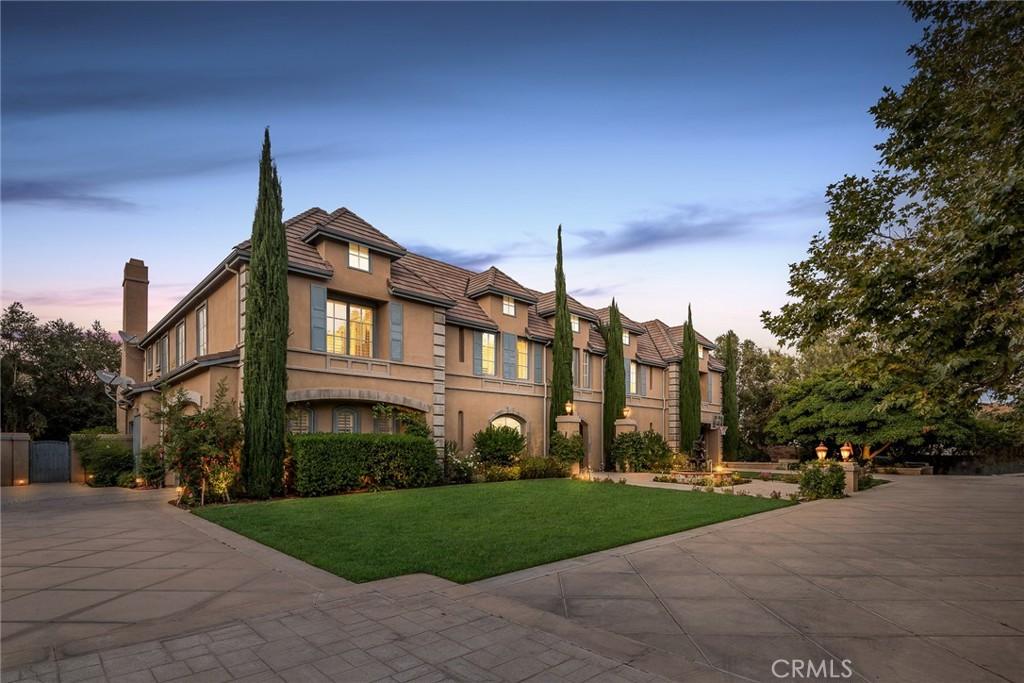 22505     La Quilla Drive, Chatsworth CA 91311
