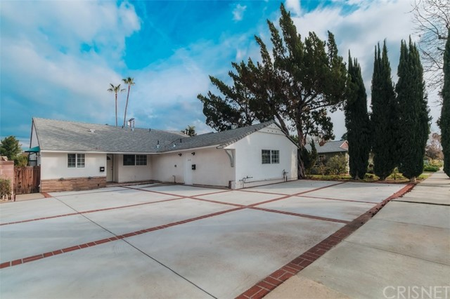 6134 Shadyglade Avenue, Valley Glen, CA 91606
