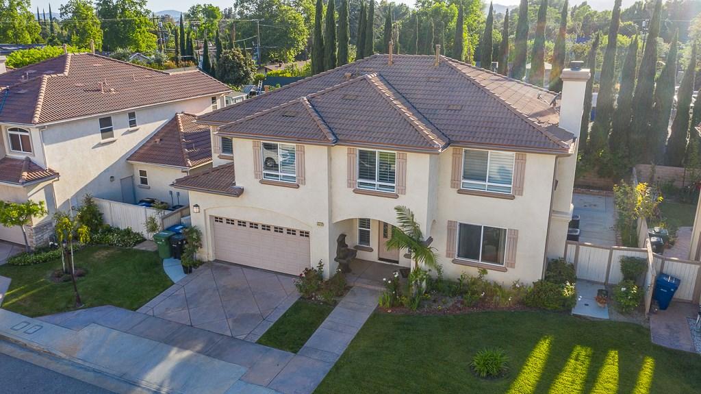 8513 Browns Creek Lane, Canoga Park, CA 91304