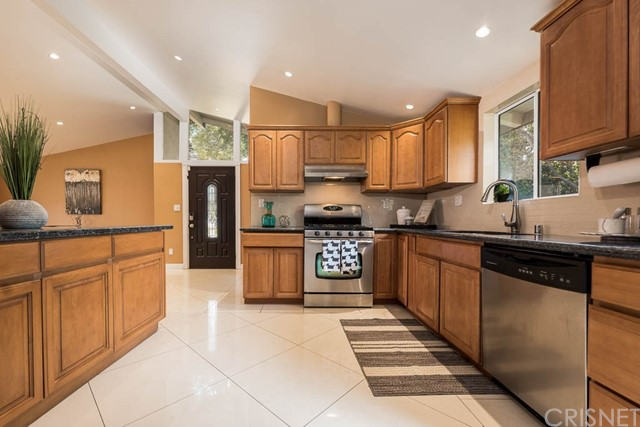 6300 Jumilla Avenue, Woodland Hills, CA 91367