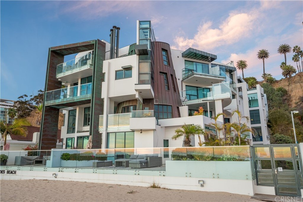 Photo of 270 PALISADES BEACH Road #101, Santa Monica, CA 90402