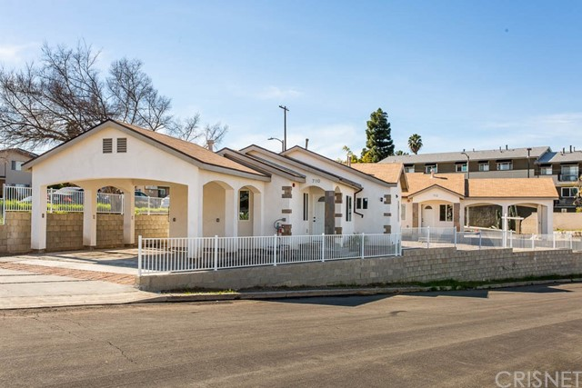 710 Laconia Place, Athens, CA 90044