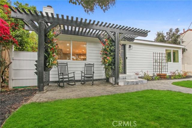 5424 Woodlake Avenue, Woodland Hills, CA 91367