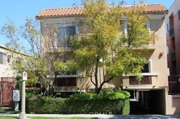 14249 Dickens St #102, Sherman Oaks, CA 91423