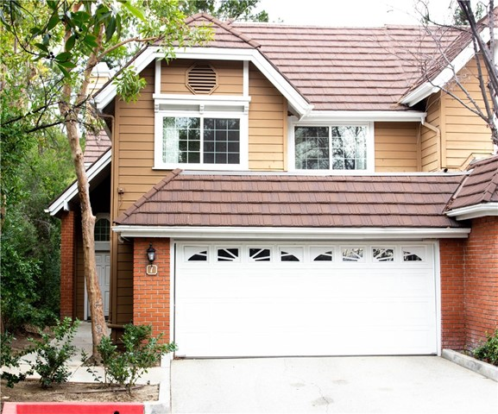20950 Oxnard Street 1, Woodland Hills, CA 91367