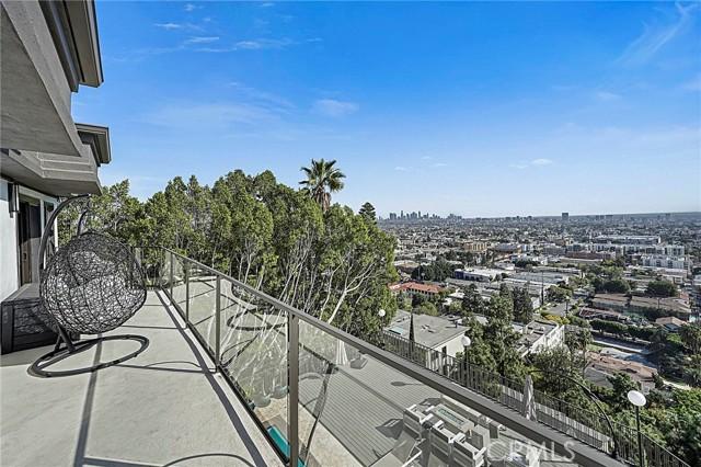 21. 5667 Tryon Road Los Angeles, CA 90068