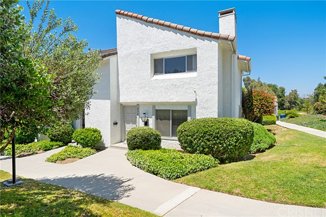 Photo of 232 Green Heath Place, Thousand Oaks, CA 91361