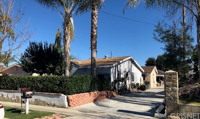24952 Newhall Avenue, Newhall, CA 91321