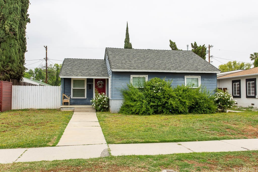 Photo of 17125 SATICOY, Lake Balboa, CA 91406