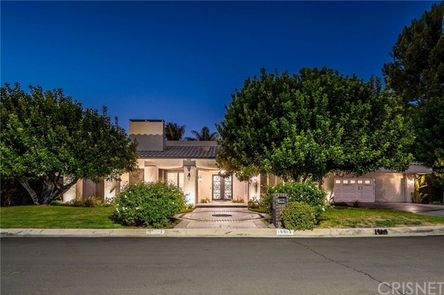 Photo of 19813 Linnet Street, Woodland Hills, CA 91364