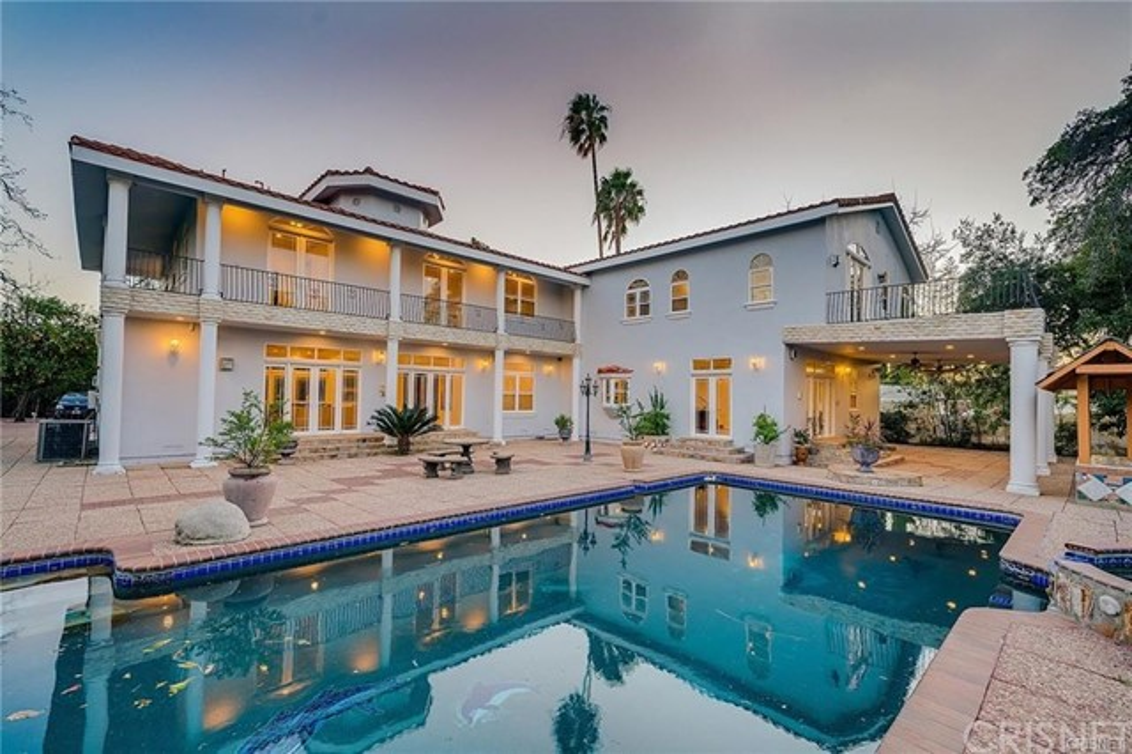 23135 Dolorosa Street, Woodland Hills, CA 91367