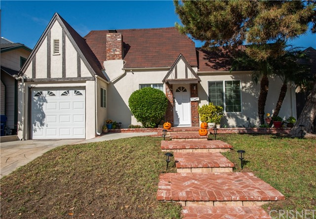 Photo of 10805 Sarah Street, Toluca Lake, CA 91602