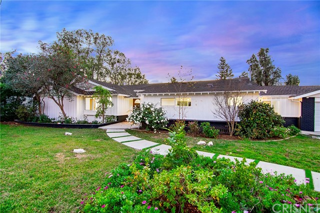 Photo of 20510 Dumont Street, Woodland Hills, CA 91364
