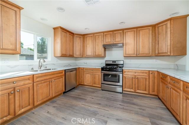 7541 Jordan Avenue, Canoga Park, CA 91303