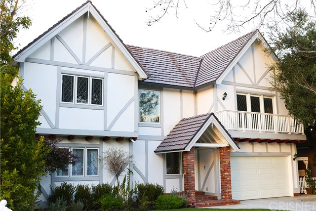 16761 Moorpark Street, Encino, CA 91436