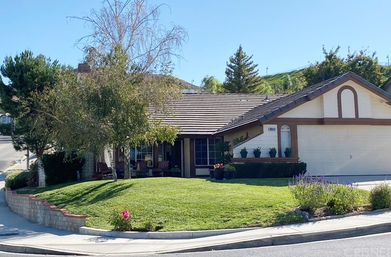 29046     Seco Canyon Road, Saugus CA 91390