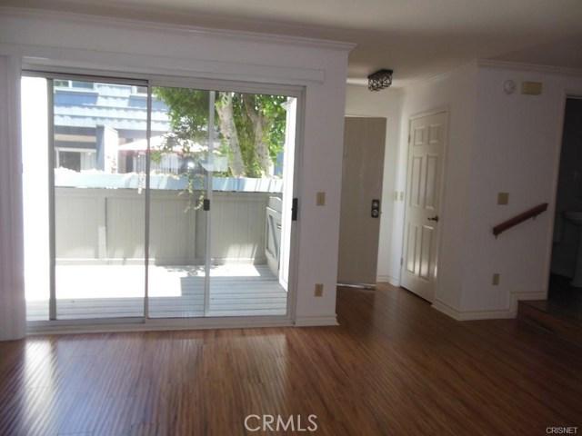 Photo of 18550 Hatteras Street #18, Tarzana, CA 91356