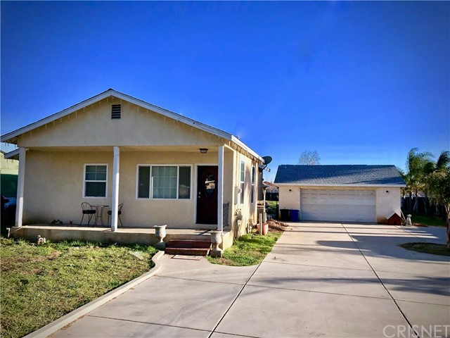 121 E County Line Road, Calimesa, CA 92320