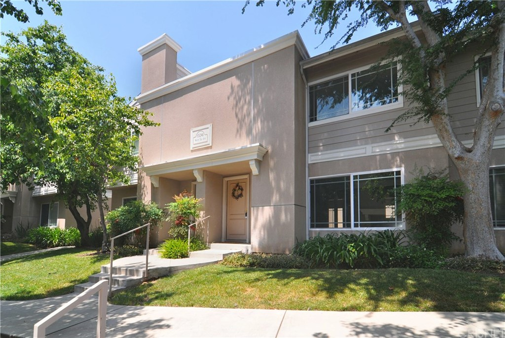 Photo of 10241 WHITE OAK AVENUE #5, Northridge, CA 91325