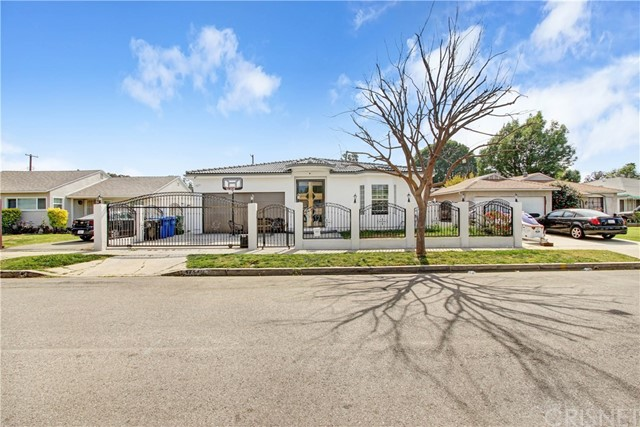 Photo of 17540 Baltar Street, Northridge, CA 91325