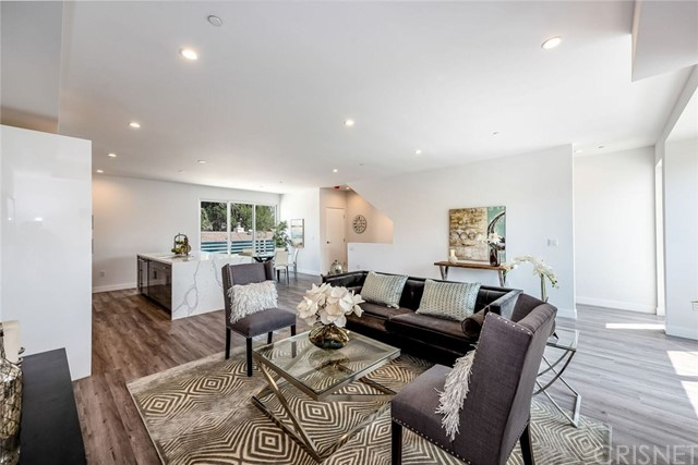 5422 N Camellia Avenue, North Hollywood, CA 91601