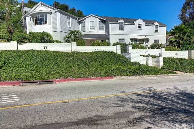 4209 Woodcliff Road, Sherman Oaks, CA 91403