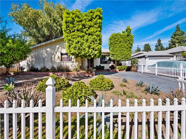 2913 W Wyoming Avenue, Burbank, CA 91505