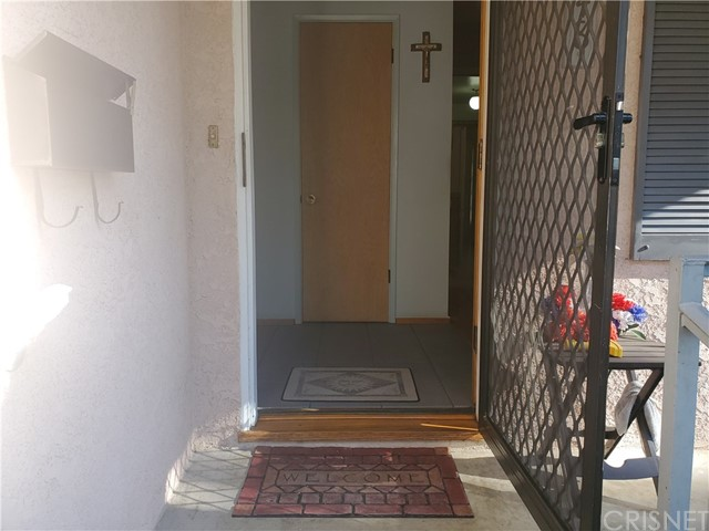14948 Wolfskill St, Mission Hills (San Fernando), CA 91345 Photo 2